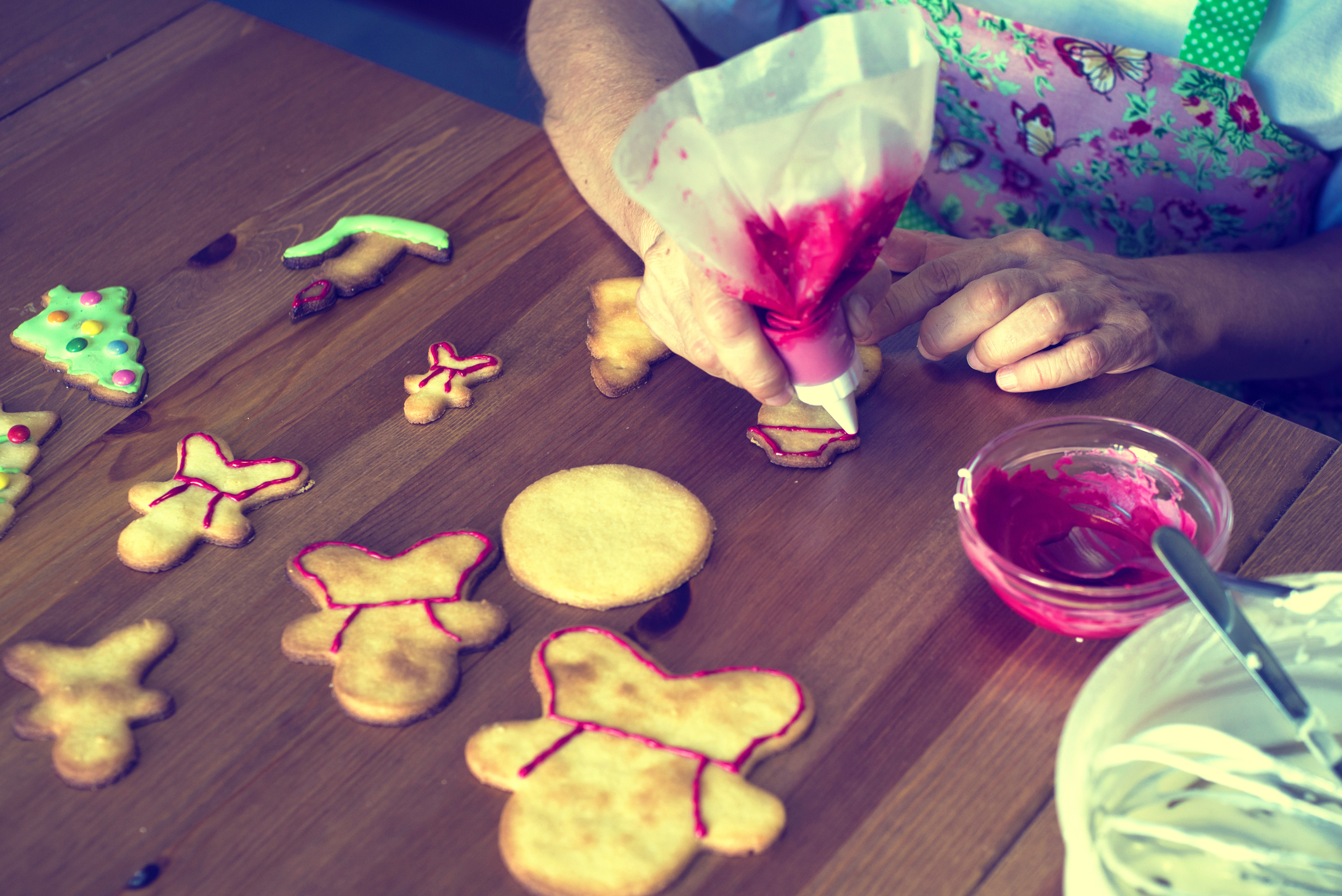 decorating-christmas-cookiesjpg